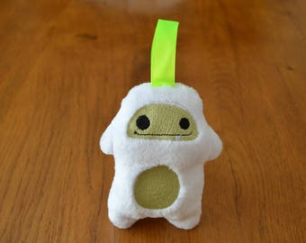 Stuffed animal P' little green Yeti