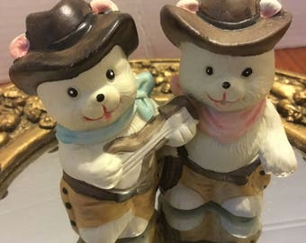 Retro 1988 Heidi and Howdy cowboy bears salt and pepper shakers- mascots of the Calgary Olympics x nice for a salt and pepper collection