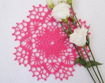 """Small pink crochet doily (17 cm or 6.69""""), Christmas red lace doily, gift, table centrepiece, coffee tablecloth, crochet decoration"""