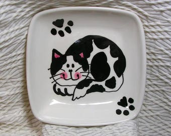 Black & White Smiling Cat On A Square Pottery Dish / Bowl Ceramic Handmade by Grace M Smith
