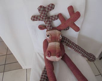 Reindeer with the verschnuften nose, sad look, ready to cuddle, soft fabrics, knuffelige filling