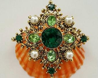 Green Stone & pearl Pin