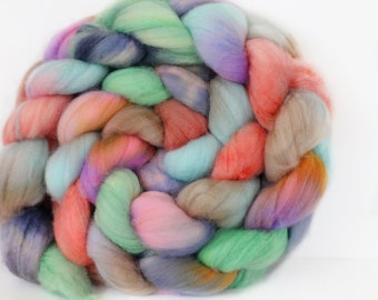 Patchouli 6 oz Merino softest 19.5 micron Roving Top for spinning