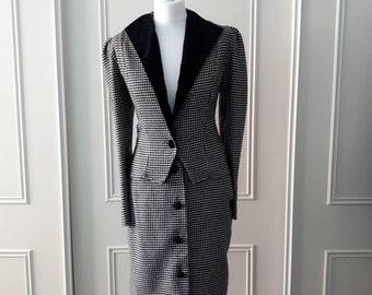 1980's vintage suit 80's skirt suit 2 piece suit Valentina Of London suit 80's black suit 80's white suit dogtooth print ladies suit size 12