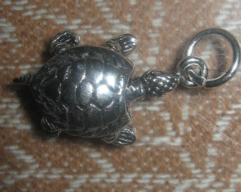 925 Sterling Silver Movable Turtle Pendant Necklace
