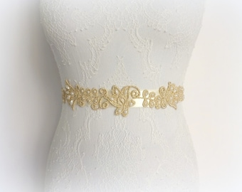 Ivory sash belt. Gold floral lace decorated with Ivory pearls. Bridal sash.
