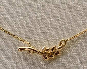 Acacia gold necklace