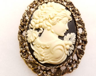 Cameo Brooch Vintage, New Old Stock, Victorian Cameo Brooch, Cameo Brooch Pin, Vintage Cameo, Steampunk Brooch, Cameo Brooch, Wedding Brooch