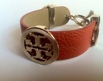 Gold and Leather Bracelet-Vintage vintage Leather Bracelet and golden metal