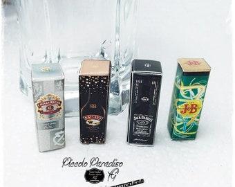 Italian Miniature,confezioni a scelta Whiskey e liquori, Jack Daniel's, Chivas Regal, J&B, Baileys in miniature dolls house in 1:12 th scale
