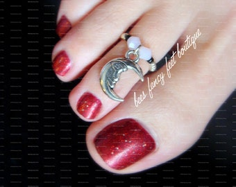 Moon Toe Ring, Moon Ring, Silver Moon Charm Bead, Opal Bicone Crystals, Silver Beads, Silver Toe Ring, Silver Ring, Stretch Bead Toe Ring