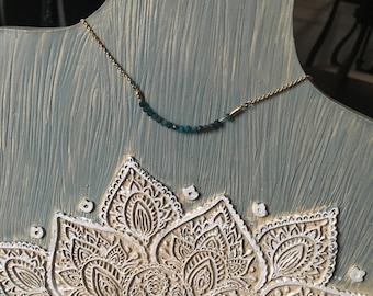 Natural apatite quartz bead necklace