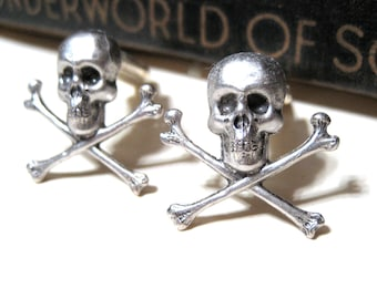 Skull and Crossbones Cuff Links Antiqued Silver - Pirate - Sailor - Oxidized - Nautical - Gothic - Jolly Roger Buccaneer Caribbean Soldered