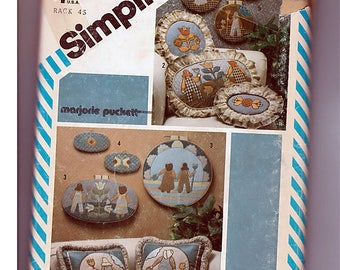 Set of appliques pillows and wall hangings / Original Simplicity Crafts Uncut Sewing Pattern 232