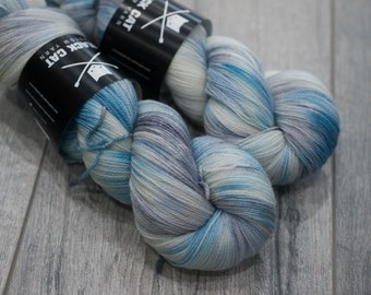 Canadian Hand-dyed yarn 100% Superwash Merino Lace Yarn 115g 980 yards Lace weight. Hoth. Multicolored variegated yarn.