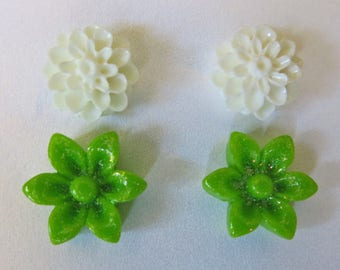 Flower Stud Earrings Bridal Jewelry Mother's Day Jewelry Green Earring Studs White Flower Studs Prom Jewelry Bridesmaid Gift Summer Wedding