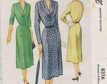 McCall 8316 / Vintage 50s Sewing Pattern / Dress / Size 16 Bust 34