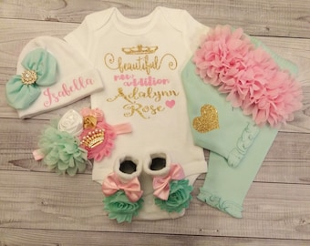 baby girl coming home outfit, custom, newborn girl, take home outfit, baby girl clothes, newborn girl outfit, monogram, clothes