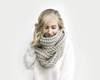 Infinity Scarf, Chunky Knit ⨯ The Léogâne ⨯ in DESERT