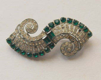 Early Coro Duette Brooch Pin Fur Clips 1930 patents Emerald Green and Crystal Rhinestones Swirl