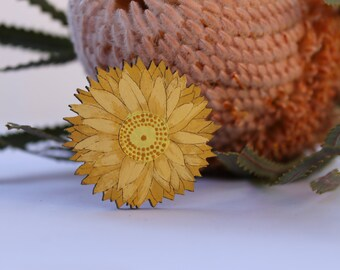 Gift for him, Brooch for him, Lapel Pin, Daisy Brooch, Australian Flower, Laser Cut Jewelry, Hand Painted Brooch, Wood Brooch, Nature
