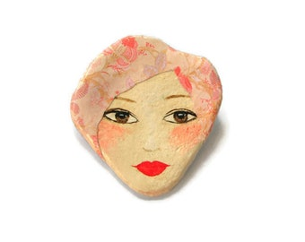 Handmade Doll face brooch, Woman face brooch pin, Paper mache jewelry, Handmade jewelry, Hand painted jewelry, Woman portrait brooch