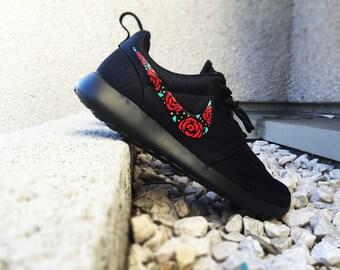 Nike Roshe Custom Design, Floral Design, Roses, Hand Painted, Gold Speckles,