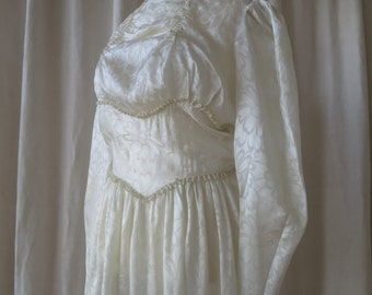 Lovely Vintage 1940's Faux Silk Damask Long Wedding Dress