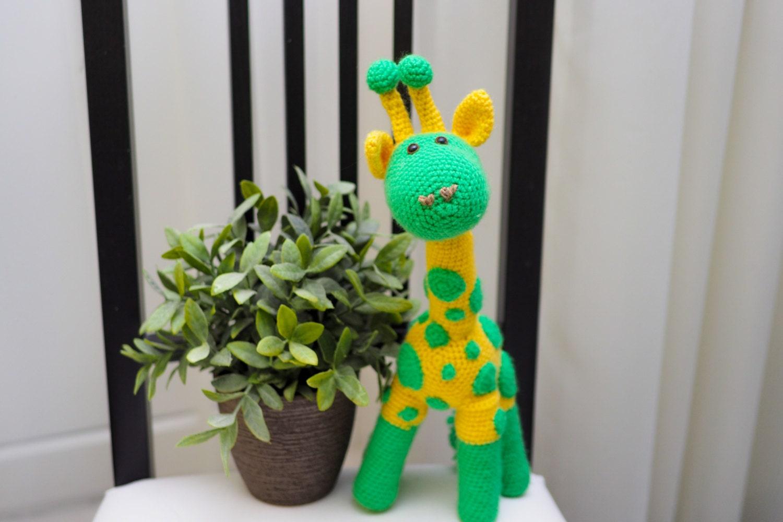 Gelbe Giraffe. Giraffe Amigurumi. Die Giraffe ist