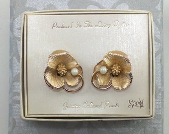 Genuine Cultured Pearl Flower Earrings, Star Brand Textured Gold Tone, Original Box, Clip Ons