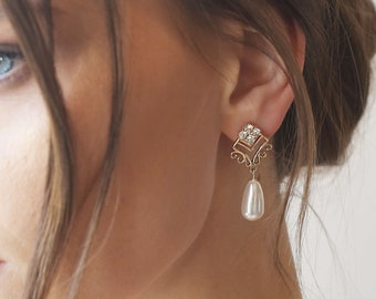 Teardrop Pearl Earrings gold, Brides jewelry, Bride Jewelry, drop pearl earrings, Bridal teardrop pearl Jewelry, Wedding pearl earrings