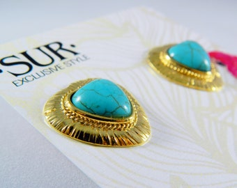Heart stud earrings with turquoise