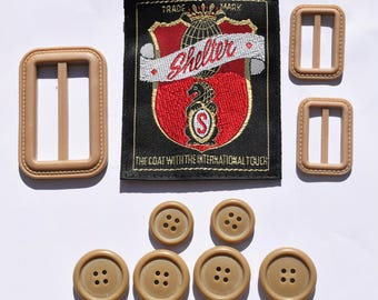 Set of 6 plastic puttons and 3 buckles Shelter /// Set of 15 plastic buttons and 3 buckles Armand Le Roi /// Set of 20 plastic buttons Gant