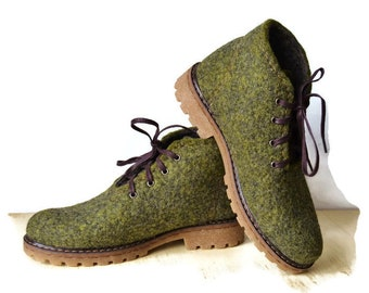 Felted boots, Woman wool shoes, Women boots, Outdoors gift, Clothing gift, Valenki, Winter boots, Snow boots, green boots