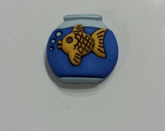 Gold Fish Needle Minder