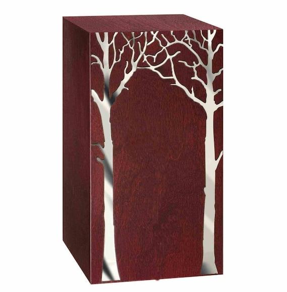 urne bois artistique avec arbre sur le devant urne fun raire. Black Bedroom Furniture Sets. Home Design Ideas