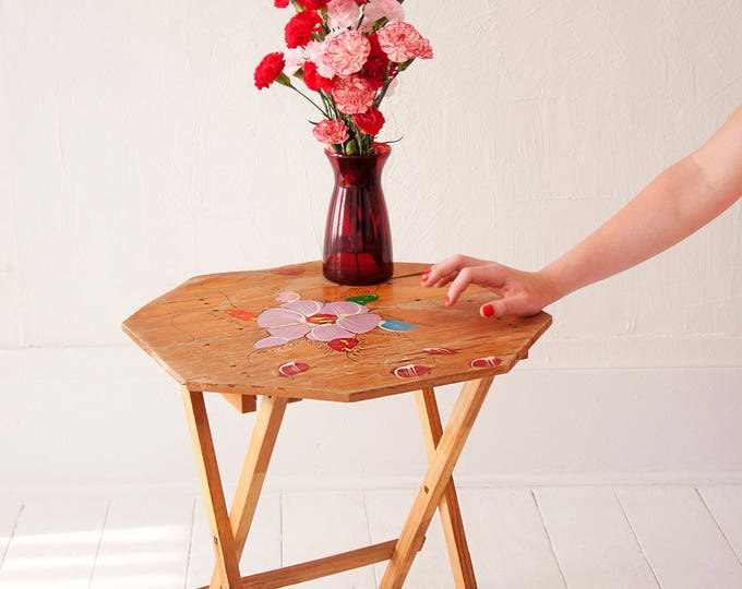 Vintage floral fold-up table, small wooden flowers, portable TV tray, wood 1970s retro shabby chic folk art
