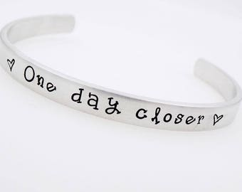 Custom, Adjustable , Long Distance Gift, One day closer, Counting the days, Handstamped, Military Wife, Deployment Gift for her bracelet
