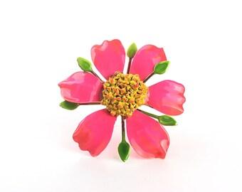 flower brooch, Vintage brooch, pink brooch, enamel brooch, 1960s brooch, 60s brooch,  floral brooch, hippie brooch, vintage jewelry