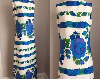 Vintage 1970s Full Blown Cabbage Roses Maxi Dress Size Medium