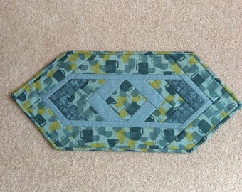 Quilted Tea cup table runner