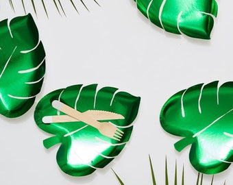 8x Leaf Plates, party plates, tropical theme, jungle party, palm leaf, meri meri, paper plates, party decorations, disposable plates, green