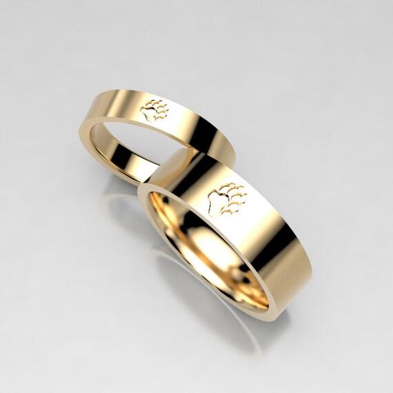 Matching Bear Paw Print Yellow Gold Wedding Ring Set in Gold