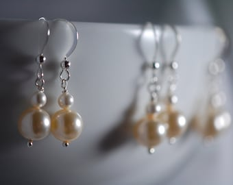 Simple antique white pearl earrings. Freshwater pearls, Sterling silver, wire wrapped, wedding jewelry, bridesmaid jewelry.