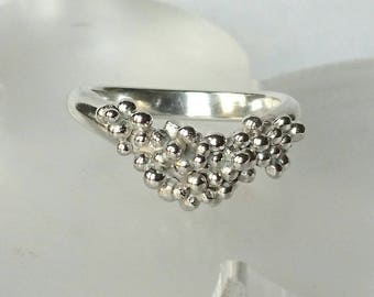 Sterling silver chevron style ring with granulation, hallmarked in Edinburgh