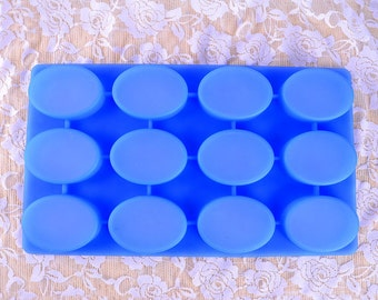 12-cavity Bar Oval Silicone Soap Mold Tools Ice Cube Tray Baking Cake Muffin Chocolate Molds B0256