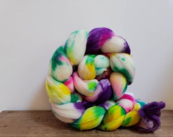 Superwash Targhee- USA- Organic- combed- wool top- roving- 4oz- Hand Painted-Hand Dyed- Pink Fluffy Unicorns