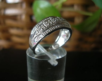 Vintage 10k white band ring with diamonds