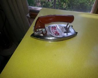 LAST CHANCE SALE!!! Antique Japan Deville Electric Travel Iron