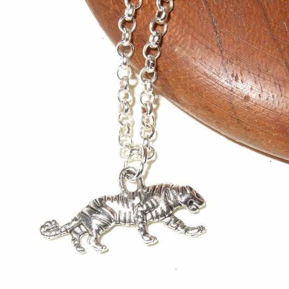 Tiger Necklace, Silver Tiger Charm, Simple Necklace, Animal Pendant, Jungle Theme, Small Tiger Necklace, Everyday Jewelry, Big Cat Charm